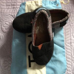Girls Toms